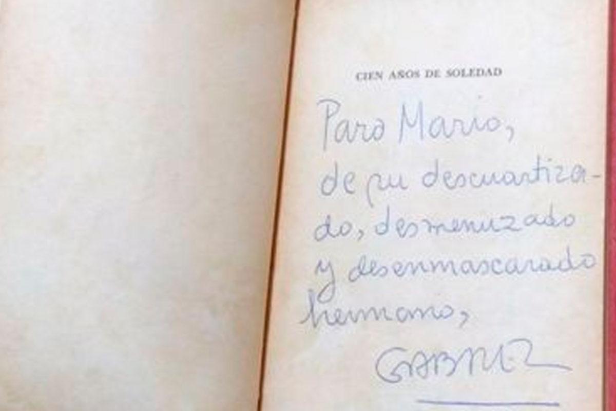 La edición de Cien Años de Soledad que García Márquez dedicó a Vargas Llosa y que sólo podrá ser leída después de la muerte del Nobel peruano